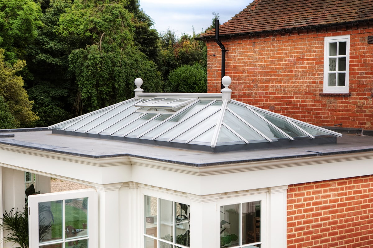 External shot of retangular roof lantern