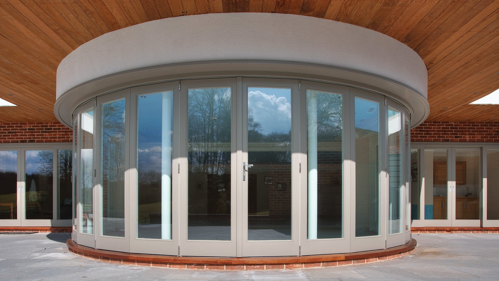 Sliding Doors & Folding Stacking Doors in rounded formation