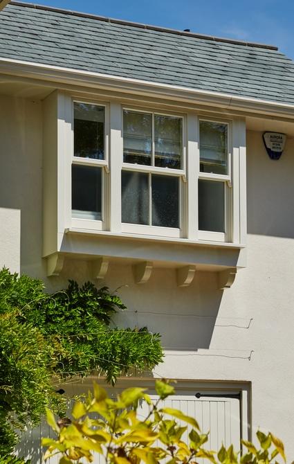 Top floor standard spring balanced sash window