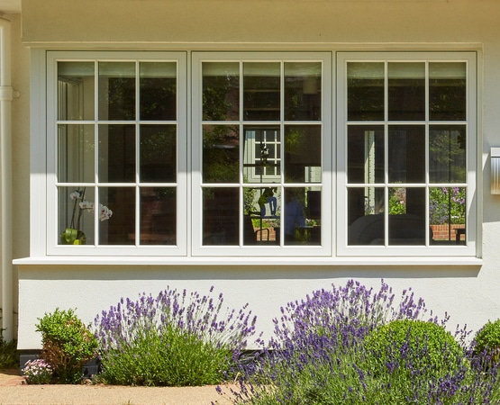 Casement windows with continuious sightlines