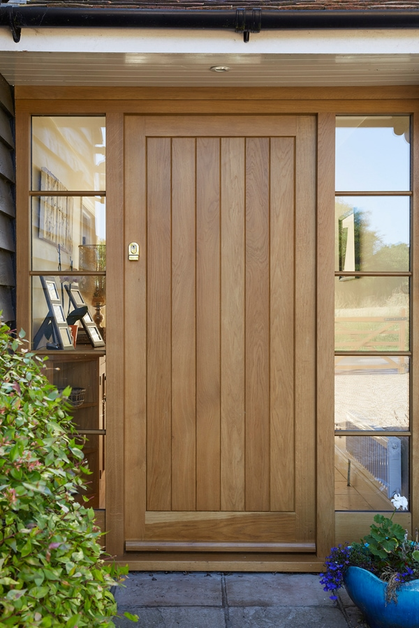 Fully boarded entrance door