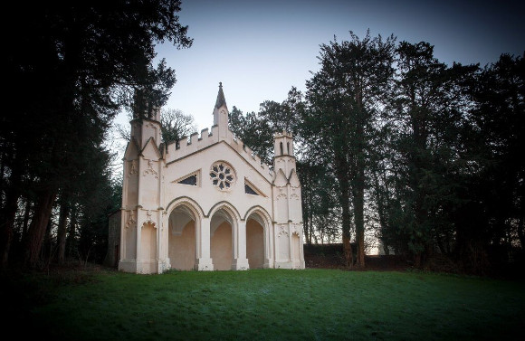 Accoya® Focus: Restoration of the Gothic Garden Temple