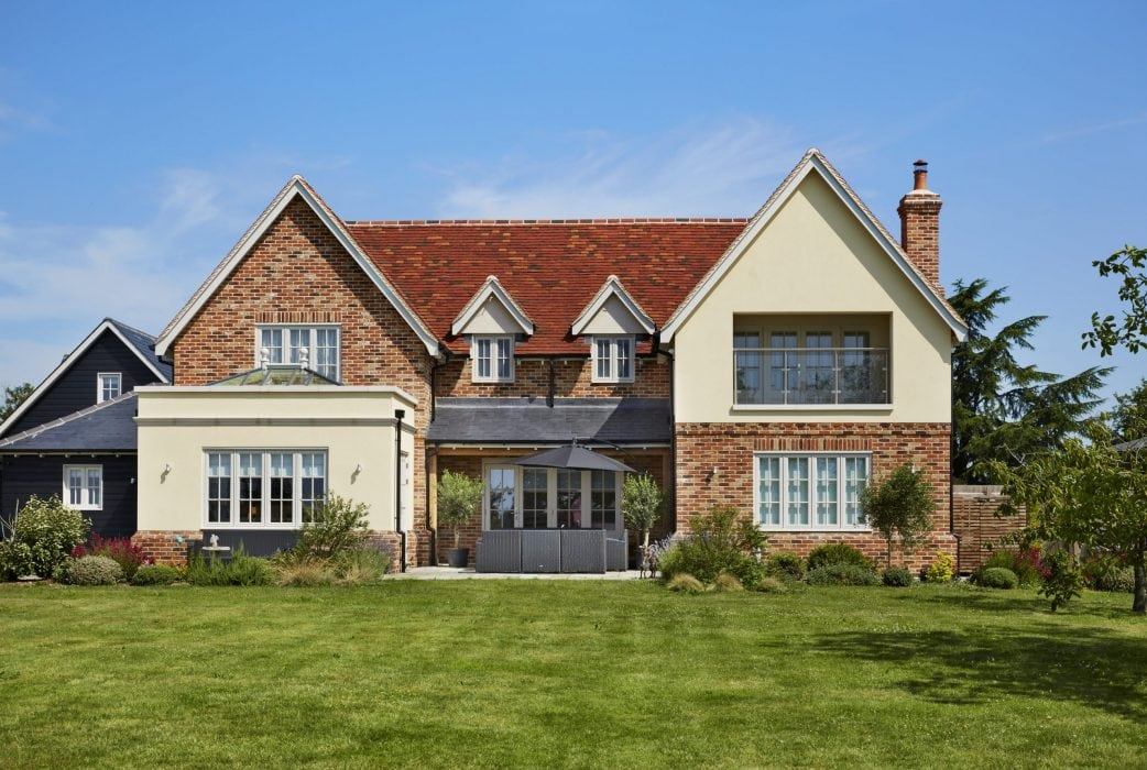 How to elevate your property to give it elegance and character
