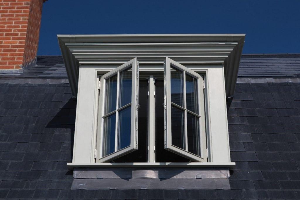 Side hung butt hinge wooden casement window